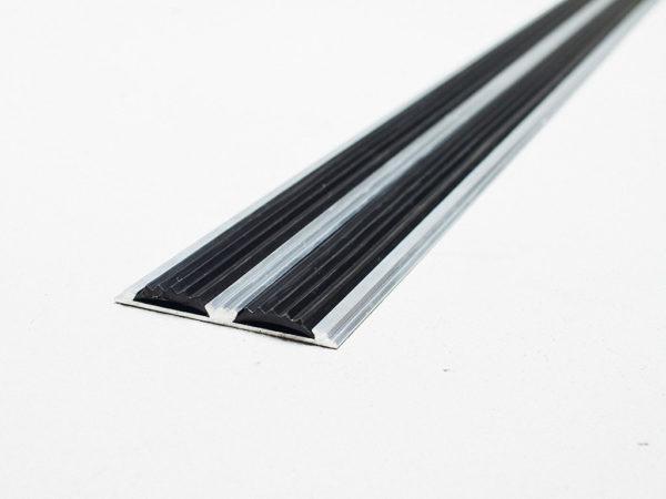 Профиль антискользящий с резиновыми вставками. Длина 3 м Ширина 80 мм