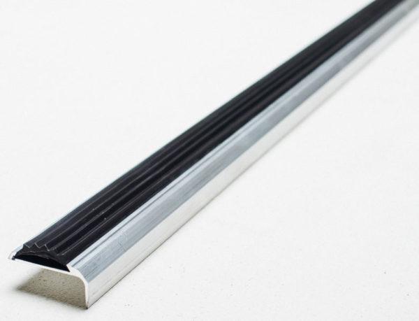 Профиль угловой с одной резиновой вставкой Длина 3 м Ширина 42 мм